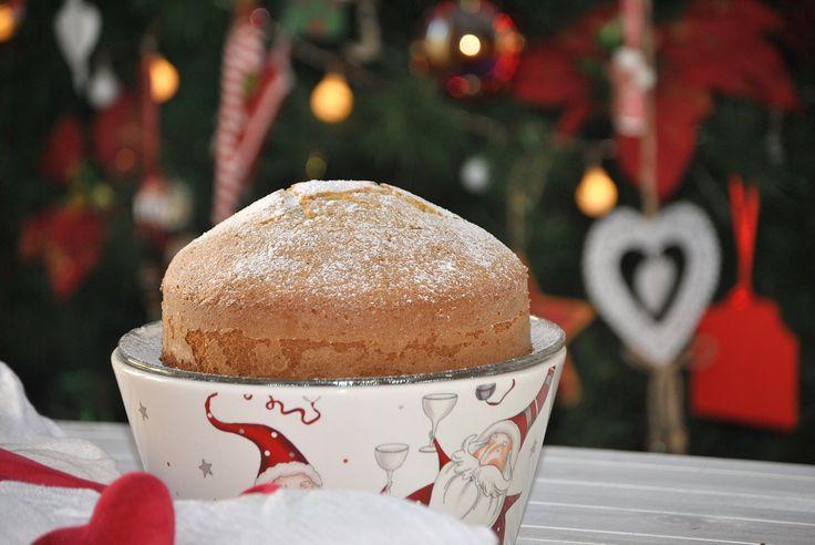 Oggi prepariamo insieme la Torta alle Nocciole per Babbo Natale.Un dolce gostoso pee la colazione della mattina di Natale