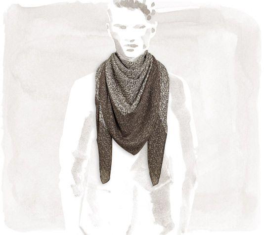 Naoussa Carré en laine et soie (140 x 140 cm) <br />Mélange ultra doux et robuste de laine et soie : plongez au cœur du dessin Chaîne d'Ancre.<br />