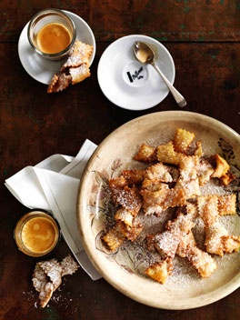 Cenci: Typical carnival pastries from Tuscany