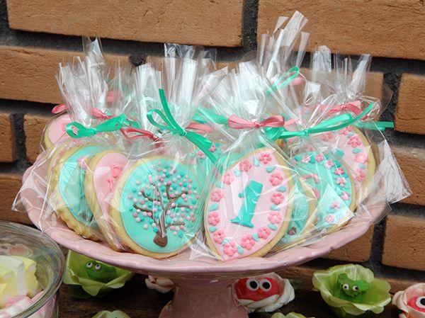decoracao-festa-infantil-aniversario-de-crianca-com-tema-jardim-das-borboletas-20