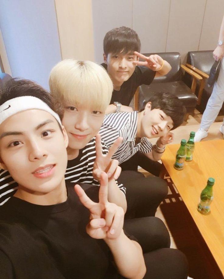 Seo Sunghyuk 서성혁, Kim Seonglee 김성리, Ju Wontak 주원탁 & Lee Kiwon 이기원