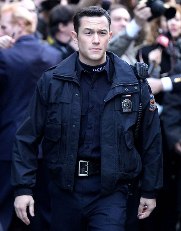 I feel a little odd for crushing on Joseph Gordon-Levitt since I remember him as that young kid on Third Rock from the Sun. But Inception proved that he is definitely a grown man.