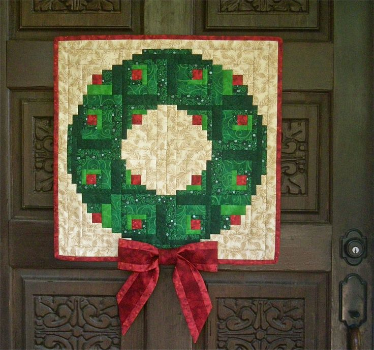Quilt Pattern For Christmas Wreath : Off-set log cabin blocks make a nice Christmas wreath. Quilt Patterns Pam Bono Pinterest ...