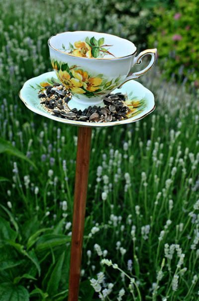 cute homemade bird feeder from vintage cups...DIY tutorial...wouldn't these look cute scattered in your flower garden or yard ♥♥