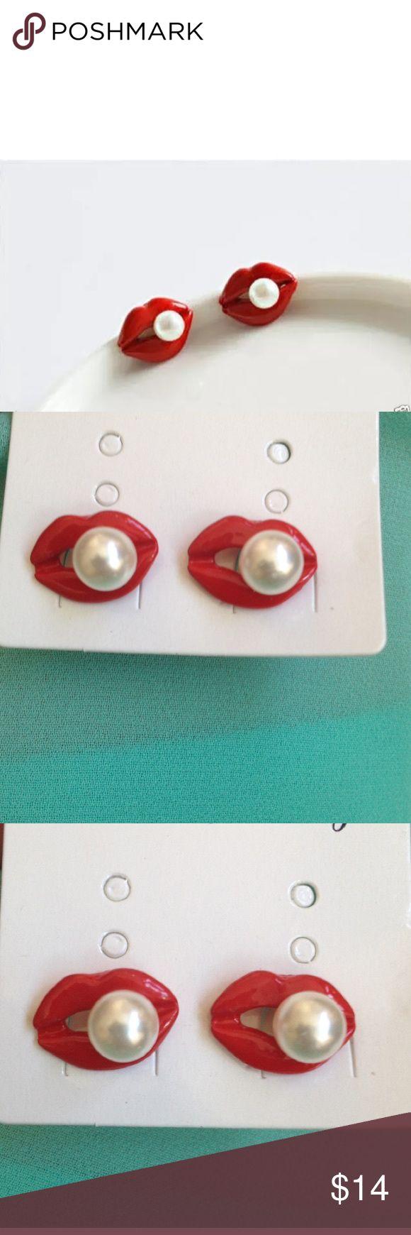 🌺 Lip Stud Earrings NWOT red lips stud earrings. Jewelry Earrings