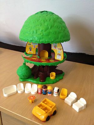 my eldest lass loved her one of these ~   Vintage Retro 1970's complete PALITOY childrens treehouse in full working order