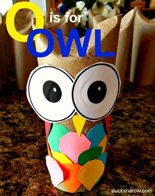 O is for OWL is a great letter O theme for preschool or kindergarten. This toilet paper roll craft is easy to make and a fun edition to a facinating subject. Free printables included and links to owl resources. #owl #toiletpaperrollcrafts Preschool crafts from DUCKS N A ROW