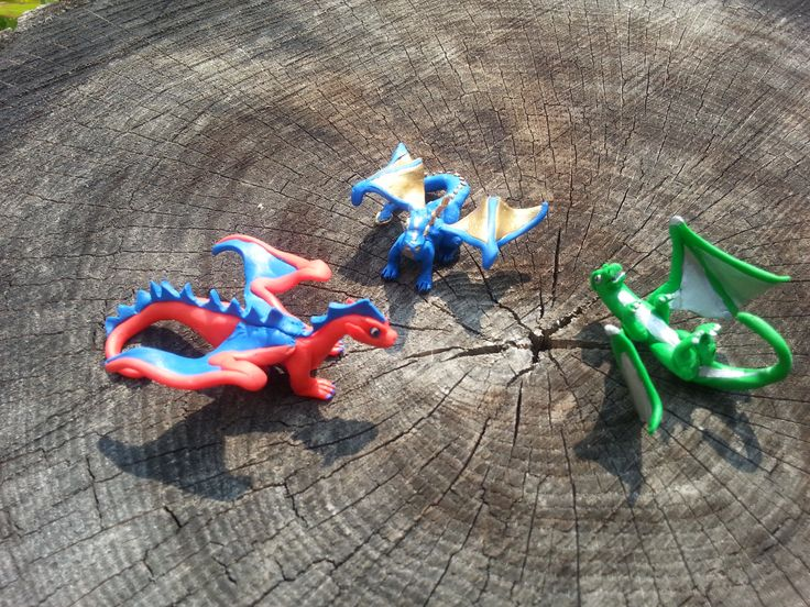 3 more dragons that I created for my boys, they picked out the colours.  Learning as I go what to do and what not to do.
