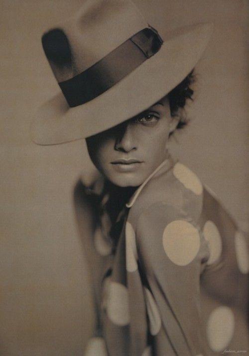 Hat and dots. #polkadots: Hats, Fashion Shoes, Polka Dots, Paolo Roversi, Vogue Paris, Girls Fashion, Fashion Photography, Amber Valletta, Girls Shoes
