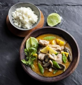 Thai red chicken curry #banting #realmealrevolution
