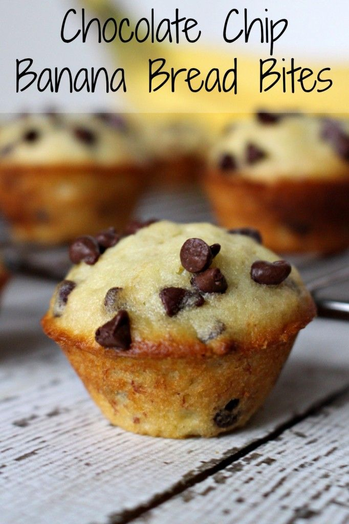 Chocolate chip banana bread bites - super easy and crazy yummy