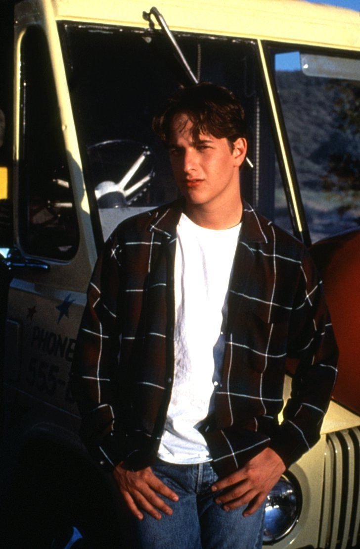 Pin for Later: 5 Cool Guys From '80s Movies Who Steve From Stranger Things Reminds You Of Bryan From Don't Tell Mom the Babysitter's Dead OK, Bryan the hot dog guy is pure goofball, but something about Josh Charles's face reminds me so much of Steve.