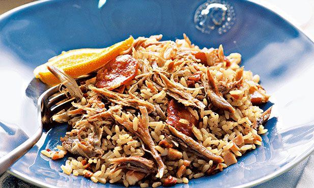 O arroz de pato do Pingo Doce é sempre uma boa ideia para uma festa ou para um encontro com amigos. Aprenda a fazê-lo com quem sabe. Sai sempre bem.