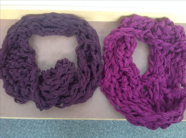 Saran ja Helmin arm-knitting tuubihuivit, tekoaika alle 2 h