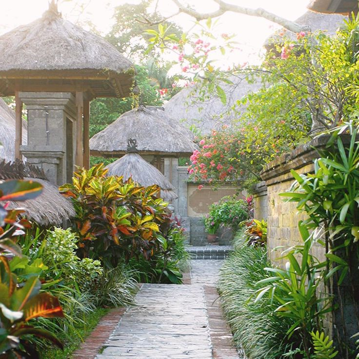 A beautiful and lush secret garden at Kamandalu Resort