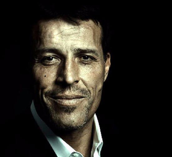 Экология познания. Люди: Публикуем свежее и очень философское интервью одного из самых известных коучей мира. Тони делится размышлениями и советами о том, как построить успешную карьеру, похудеть и подготовиться к публичному выступлению. Оказывается, всё дело в принципах.