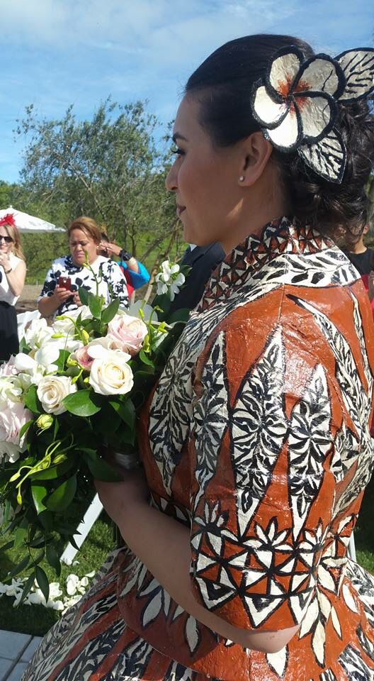 Tongan wedding dress close-up