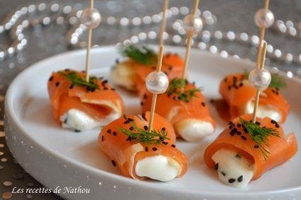Roulades de saumon fumé, pomme et fromage frais