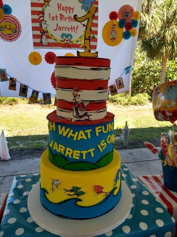 Dr Seuss Birthday Cake Kingstons 1st Birthday Party Pinterest