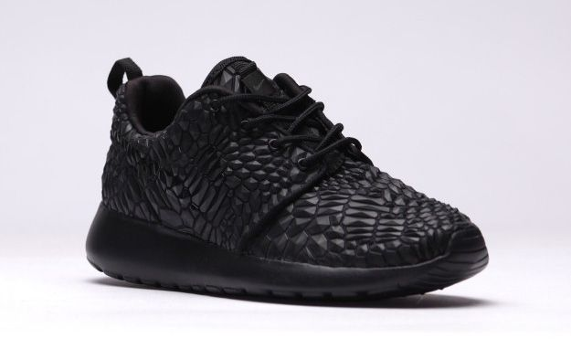 release date: 62497 e25a3 ... Nike-Roshe-One-DMB-Triple-Black-Photos-02 ...