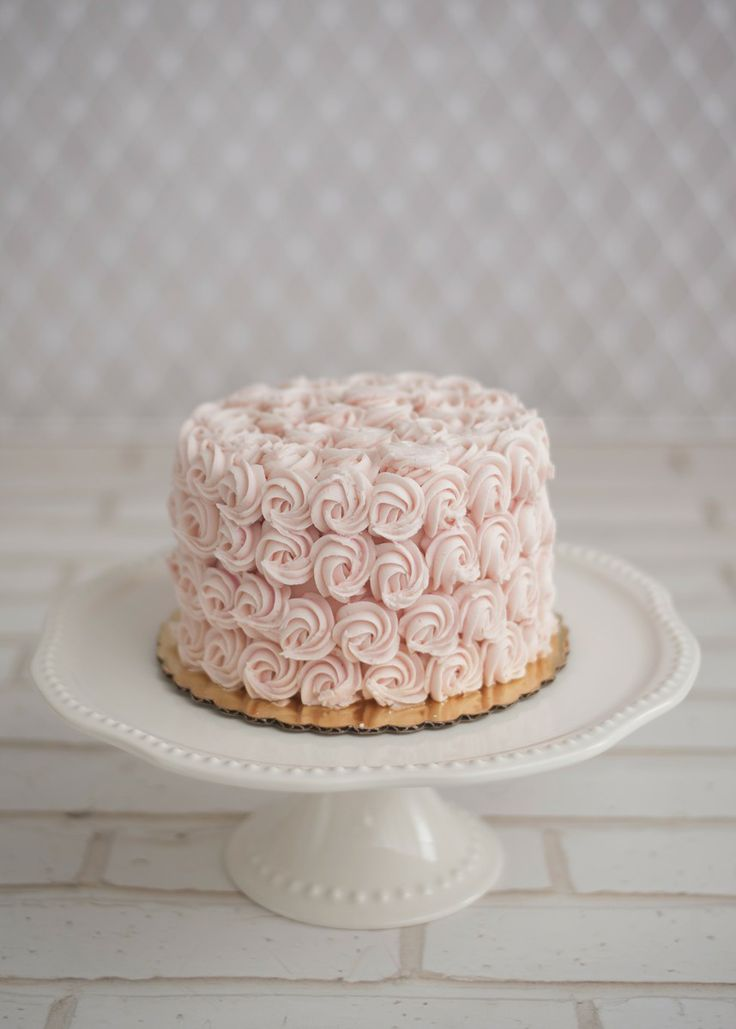 Pink Cake - Baby Shower Dessert Ideas//