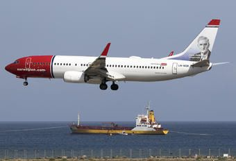 LN-NGK - Norwegian Air Shuttle Boeing 737-800 photo (25 views)
