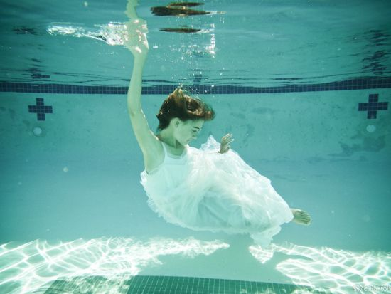 12 Best Images About Underwater Photography People Kids And Dogs On Pinterest Poodles Crazy