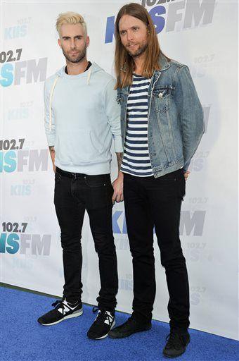 Maroon 5, Shakira rock Wango Tango
