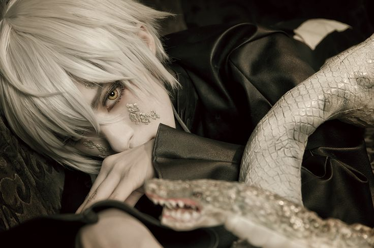 Snake, very good one O.O =^_^= by:Mayu(繭) Snake Cosplay Photo - WorldCosplay