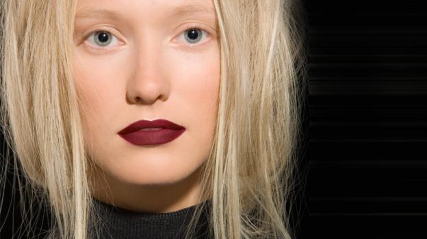 A scuola di make up: bionda, valorizza il tuo viso! #bellezza #bionda #trucchi #makeup Leggi l'articolo: http://bebeauty.it/make-up/scuola-di-make-up-bionda-valorizza-il-tuo-viso