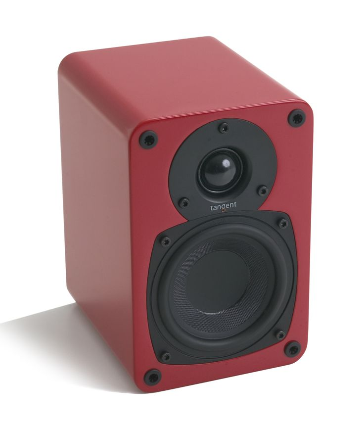 System: 2 ways Frequency range (+/- 3dB): 70 - 20000 Hz Impedance: 4-8 Ω Sensitivity: 85 dB Max music power: 100 Watts Recommended amplifier: 20-100 Watts Terminal type: Single wiring Terminal finish: Silver plated Input: Speaker level Internal wiring: 99,99% OFC Enclosure: Closed box Magnetic shield