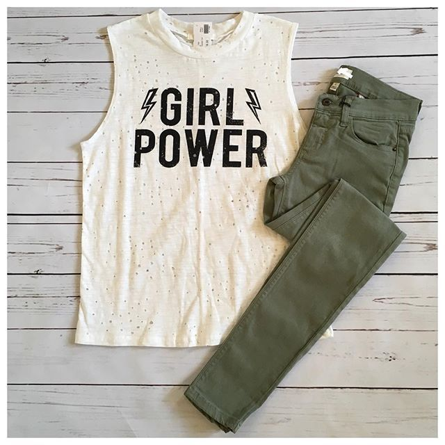 Come check out all of our new back to school arrivals! #ootd #graphictees #olivejeans #ccollection   Top: $28 • Jeans: $38