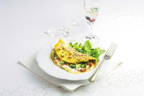 Omelette con speck e crescenza - Donna Moderna