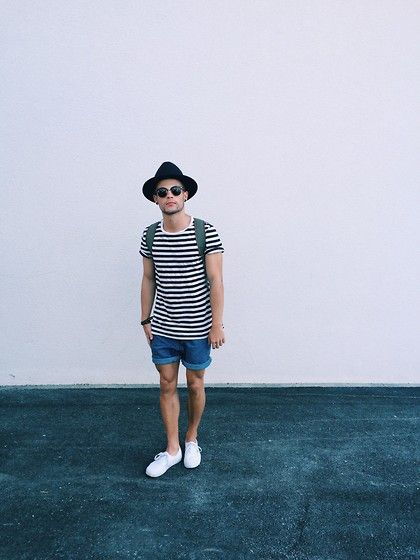 Vans Sneakers, Levi's® Shorts, H&M T Shirt, Ray Ban Sunglasses, Topman Hat