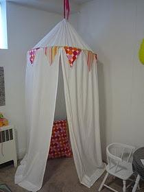 DIY play tent!!!! Nice!