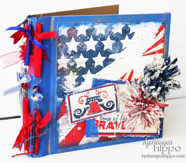 4th of July SCRAPBOOK - how to make a stars and strips mini book cover #scrapbooking http://buff.ly/2sKLeDD