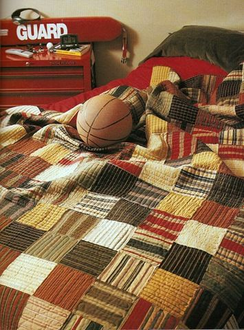Lots of people think guy quilts are difficult, but check out this masculine dorm #dormdecor #whimziequiltz