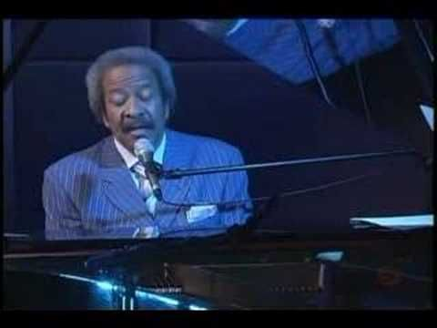 "Allen Toussaint, performing ""Southern Nights"", with a beautiful intro."