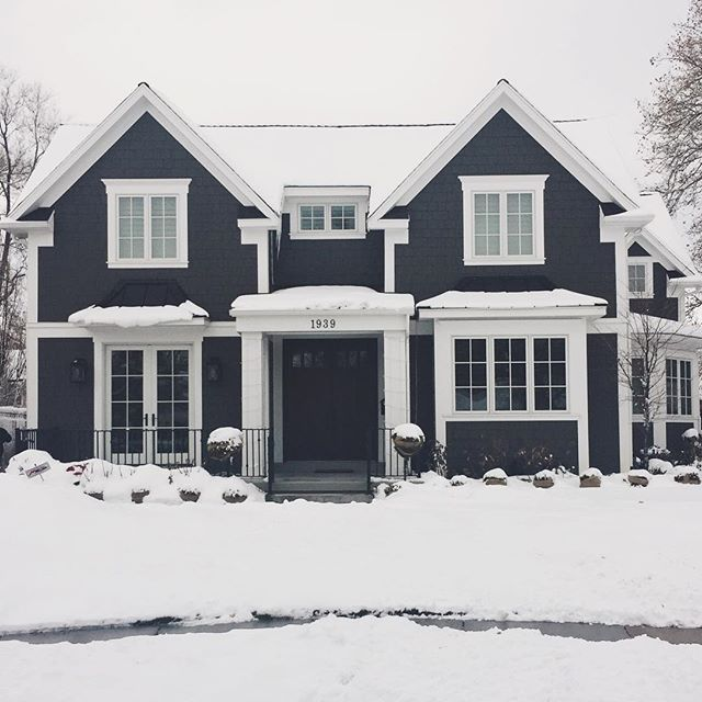 Another one from driving around this morning in the snow!  We actually took a shot if this home in the fall, it's so fun to see it with snow and the contrast! ❄️❄️
