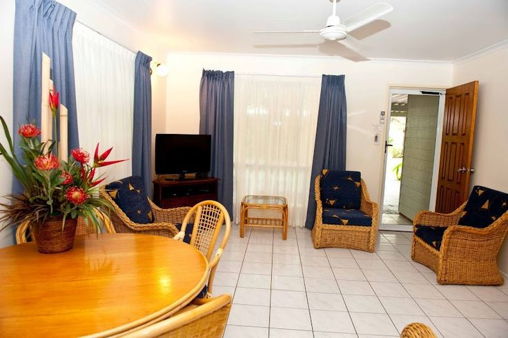 http://www.bluepacificresort.com.au/ 26 Bourke Street, Blacks Beach, Mackay Queensland  Phone: +61 7 4954 9090
