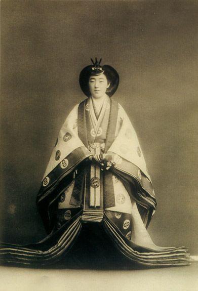 """The Syowa Empress Koujun. 1903-2000. (It is not right to actually call """"Empress"""". The right name of Japanese Emperor is """"Kougou"""" or """" Kougou-Heika"""".) Syowa era."""