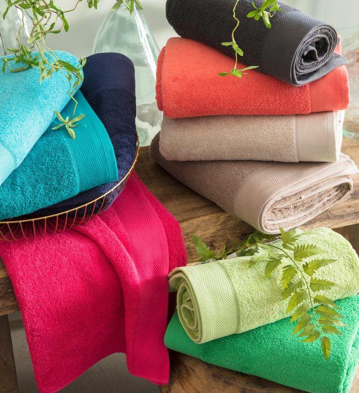 serviettes colorées ; multicouleurs