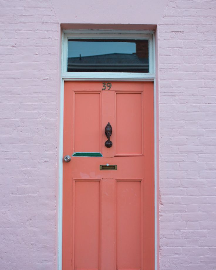 I love doors and I love pink = perfection in Battery Point // Hobart, Tasmania
