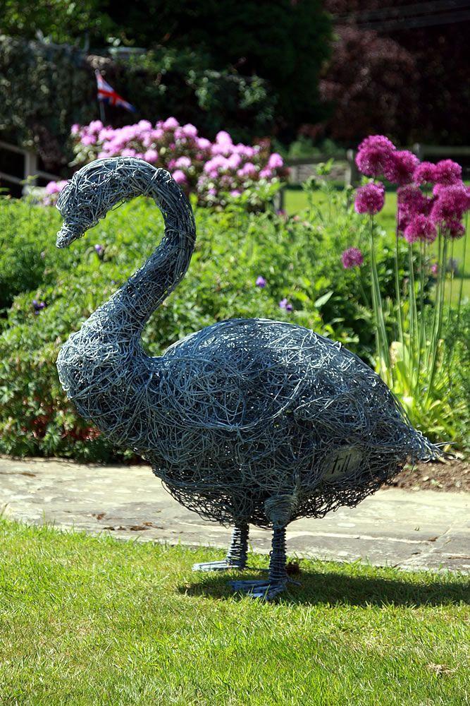 Goose wire sculpture by Rupert TIll