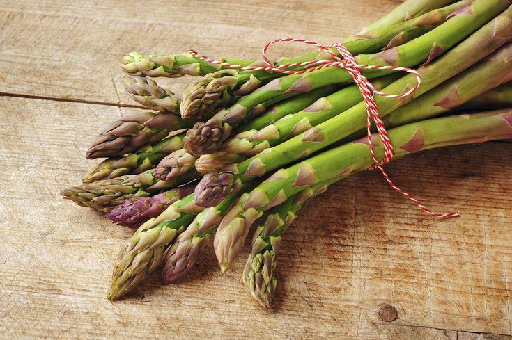 Dieci ricette con gli asparagi