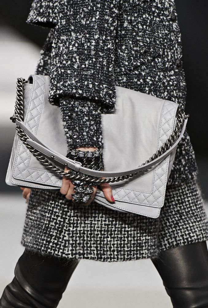 chanel bag fall winter 2013-2014 I like the envelope style(maybe in a smaller style) clean line
