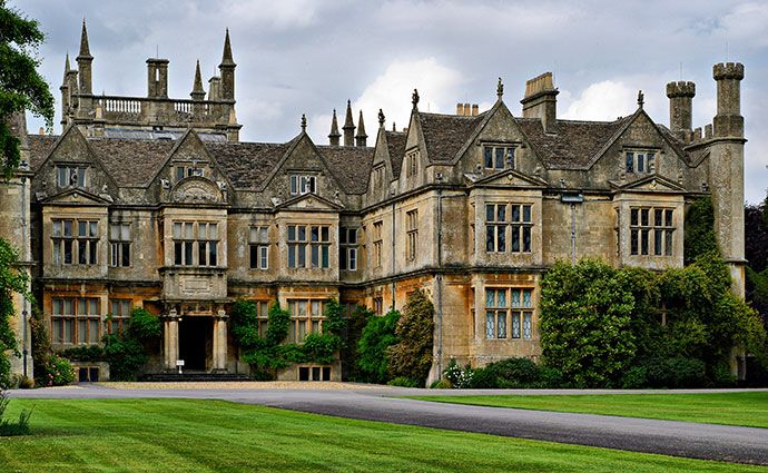 Corsham Court, Wiltshire. A Elizabethan house of 1582 bought by Paul Methuen in the mid-18th century to house his major collection of 16th and 17th century Italian and Flemish master paintings and statuary. In the mid-19th century the house was enlarged to contain a second collection, purchased in Florence, of fashionable Italian masters and stone-inlaid furniture.| www.hha.org.uk