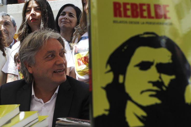 Rebelde el libro que cuenta las luchas de 30 años de Alejandro Navarro - La Nación (Chile)