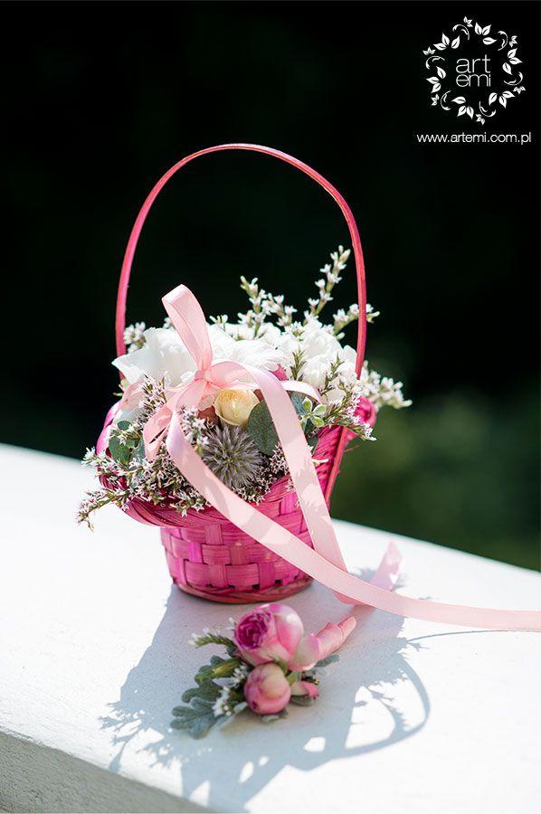 #koszyczek #koszyk #kwiatowykoszyk  #flowerdesing #paramloda #duhenka #bridesmaid #koszyknaobraczki #flowerbox #dekoracje #dekoracjeslubne #weddingdecorations #decorations #decor #weddingday #slub #artemi #artemipracowniaflorystyczna