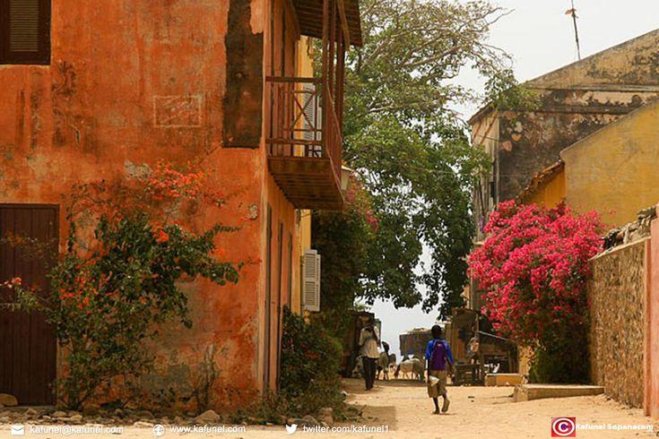 18 Photos de Gorée, Dans l'histoire scénique du patrimoine mondial de l'Unesco. Les monuments historiques et sites classés du Sénégal....